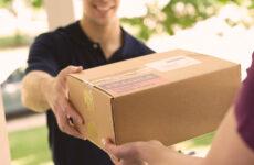 Hoe zou je online aangekochte producten kunnen verpakken en versturen?